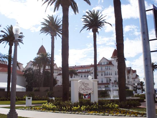 Hotel Del sign