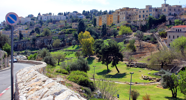 Valley of Hinnom through the city of Jerusalem.