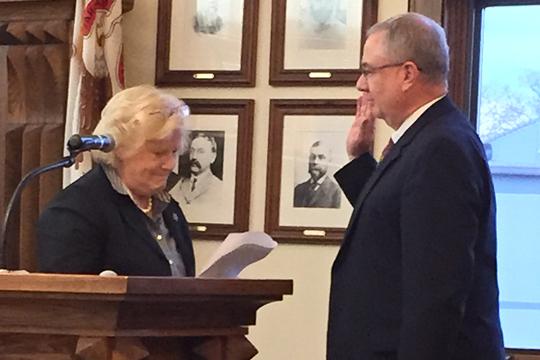 Mark Dewart sworn in as a Lake Bluff Trustee