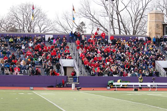 crowd-8694